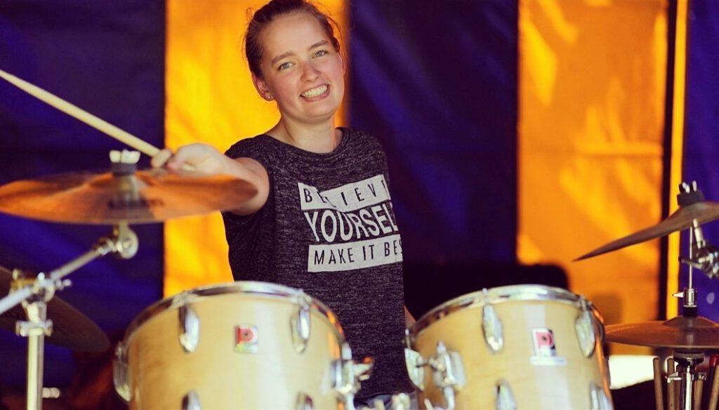 Marit van der Burgh, eigenaar van Muziekschool De Brug
